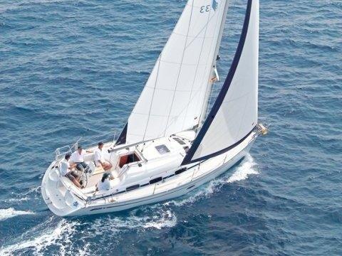 Bavaria 33 Cruiser - buitenaanzicht
