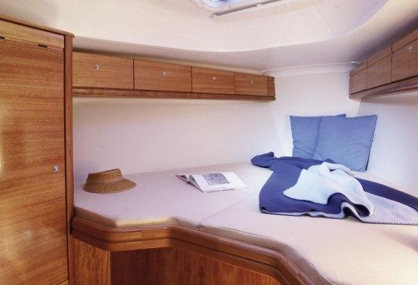Bavaria 33 Cruiser - tweepersoons hut voor in de punt
