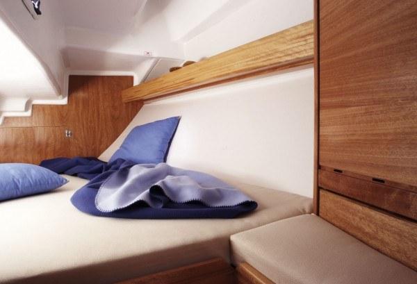 Bavaria 30 Cruiser - tweepersoons hut achter