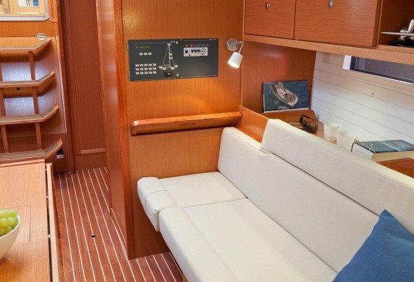 Bavaria 36 Cruiser - navigatiehoek