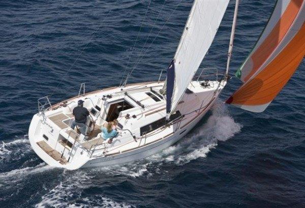 Beneteau Oceanis 31 - buiten aanzicht